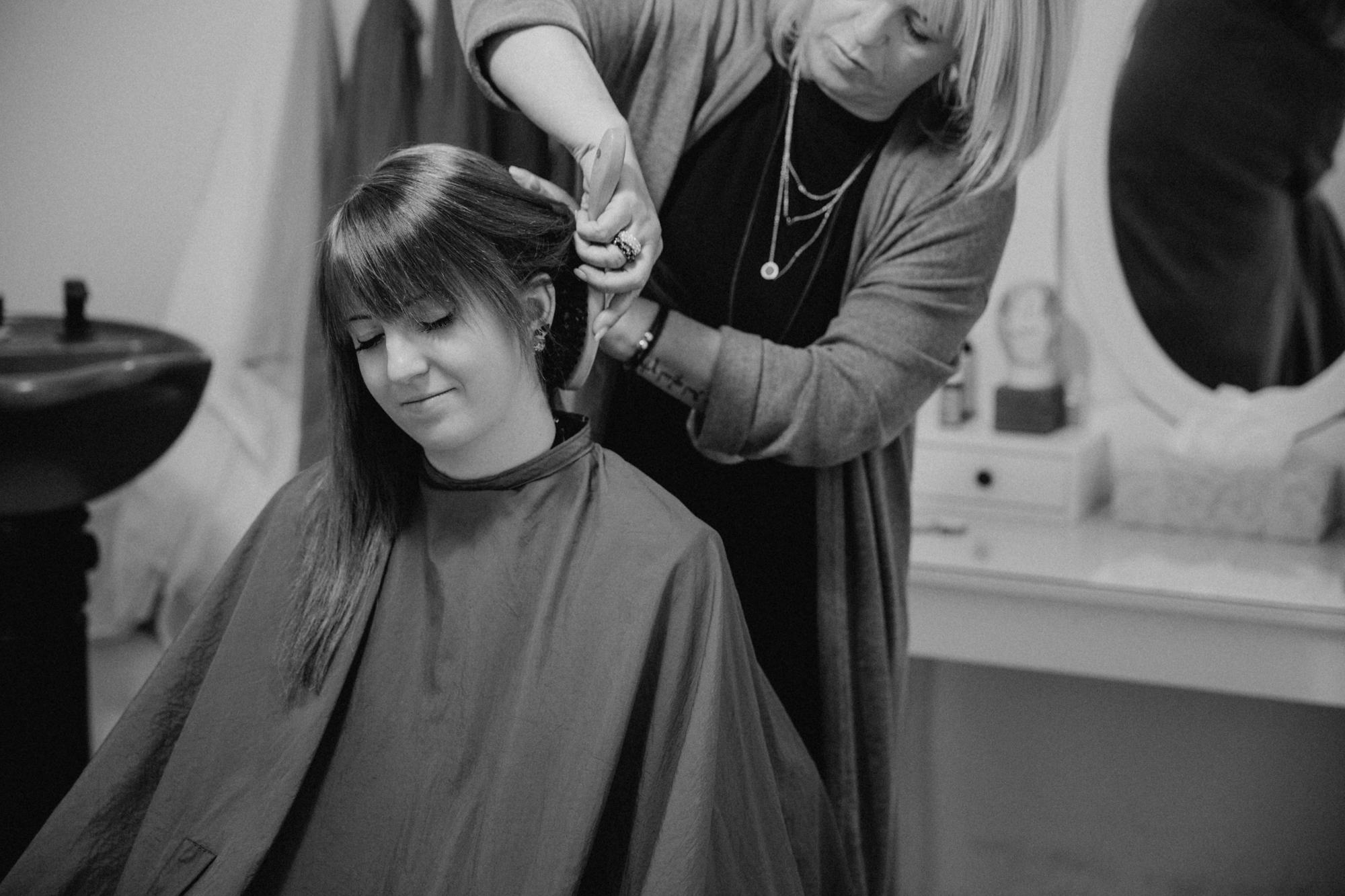 Friseur Sahaare-Energetischer Haarschnitt-Energetisch Haareschneiden-Enstpannung
